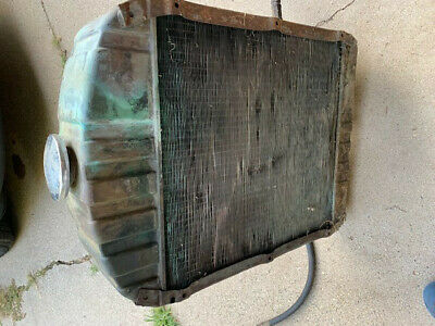 Case 400, 700, 800  tractor radiator with CaseOMatic lines