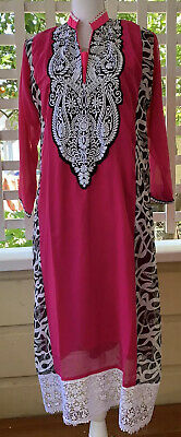 Moroccan Lace Embroidered Lounging Caftan In Hot Pink,Black & White- Size L