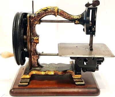 antigua rara maquina de coser THE CHALLENGE 1870  rare antique sewing machine