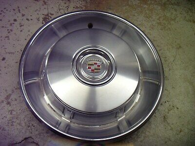 1967 Cadillac Deville Fleetwood Hubcap Wheel Cover