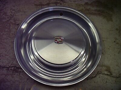 1971 1972 1973 Cadillac Deville Fleetwood Hubcap Wheel Cover