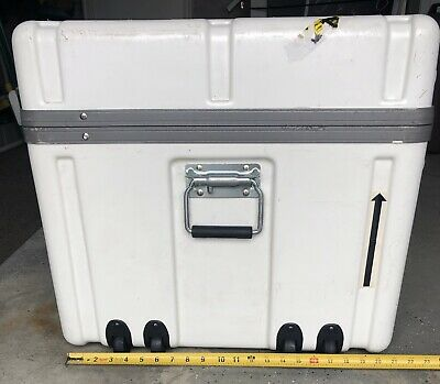 PARKER PLASTICS 36X21X20 Heavy Duty Shipping Container with Wheels
