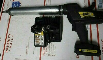 Albion 982-1 Battery Powered Caulk/Adhesive gun w/ battery + charger