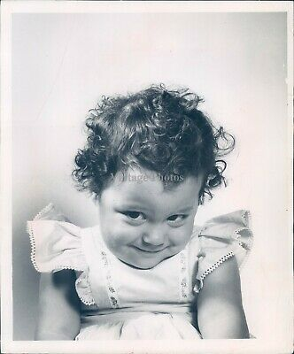 1972 Press Photo Child Funny Baby Caption Contest Cute Little Girl Smile 8x10