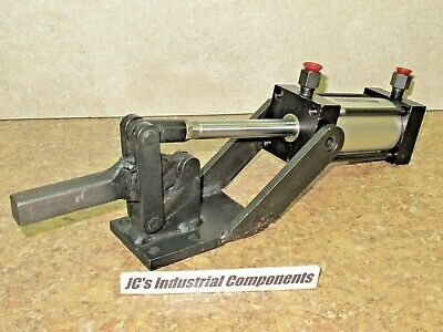 Mead pneumatic  hold down clamp   heavy duty  1600 lbs clamping force
