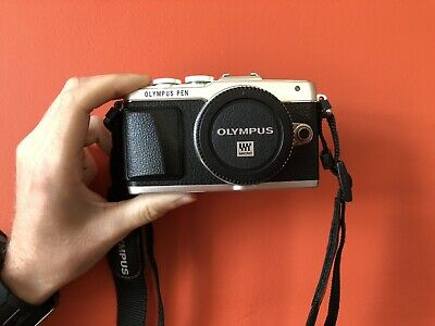 OLYMPUS PEN E-PL7 With Flash, 2 Lenses, Teleconverter! **BARGAIN**