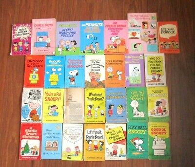 Lot of Vintage Peanuts Comics ~ Charlie Brown Snoopy Christmas Great Pumpkin +