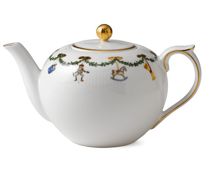 Royal Copenhagen Star Fluted Christmas Teapot