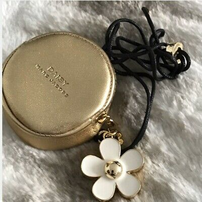 Marc Jacobs Daisy Necklace With Solid Perfume Inside RRP£65!