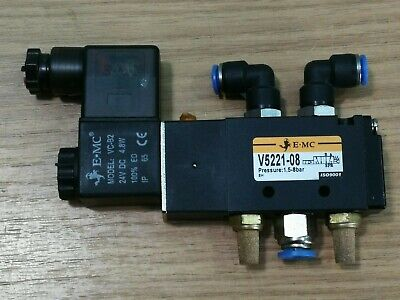 E-MC Air Pneumatic 5/2 Solenoid Directional Valve With Fittings V5221-08-24VDC