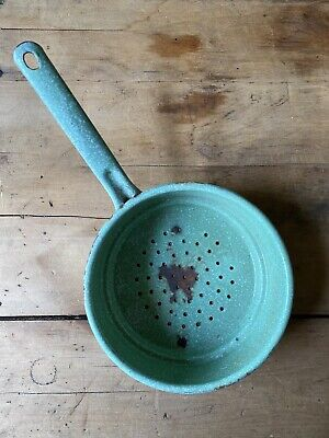 Green Enamel Colander Vintage Country Style Display Kitchenalia Old Classic