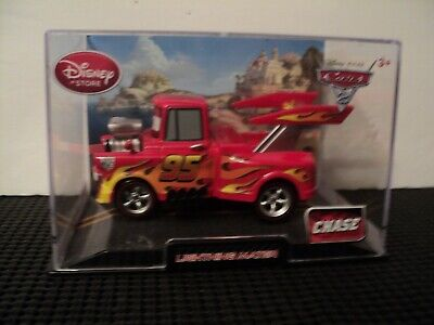 Disney Cars Diecast Fillmore Tye Die Car New Collector /'s Case 1:43 scale CHASE