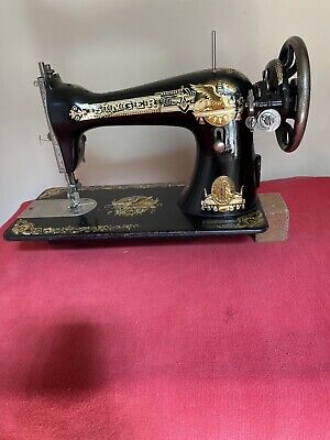 ANTIQUE SINGER SEWING MACHINE MODEL 15k MANUFACTURED IN 1916