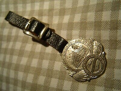 VINTAGE  WATCH FOB  CHICAGO ~ ANTIQUE  MOTORCOACH RY CAR  1946  Bastian Brothers