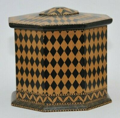 ANTIQUE MARQUETRY PATTERN PAINTED WOOD 8 SIDED BOX with LID