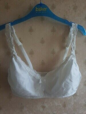 New Women's White Marks and Spencer 3 Hook Eye No Wire Maternity Bra, size 34C