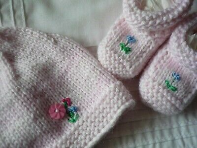 Baby Beanie & Sockettes Set. Extra Soft. Flower Button/Embroidery. Hand-made.