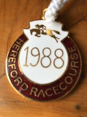 1998 HEREFORD racecourse annual member's badge (Course CLOSED?)