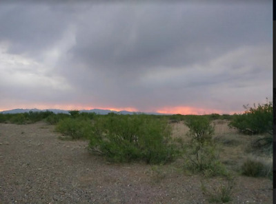 0Ver 1/2 Acre In Douglas Az ! Your Own Mini Ranch To Escape From It All!!