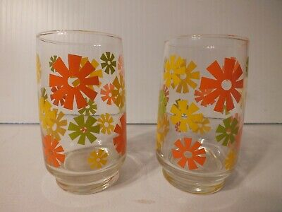 Pair of Vintage Yellow Green & Orange Daisy Juice Drinking Glasses