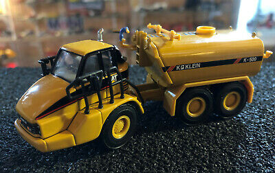CAT 730 Articulated Truck with Klein Water Tank HO Scale NORSCOT