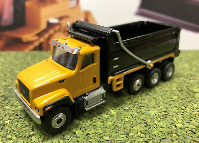 CAT CT681 Dump truck HO scale Diecast Masters