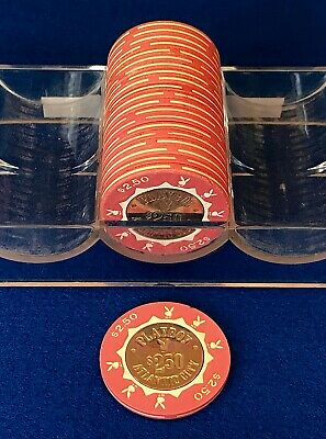 (1) 'Barrel' of (20) $2.50 Playboy Atlantic City Chips - Pink / Fractional