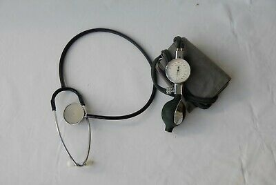 Stethascope & Sphygmomanometer - used and sphyg is not working (hole in tube)