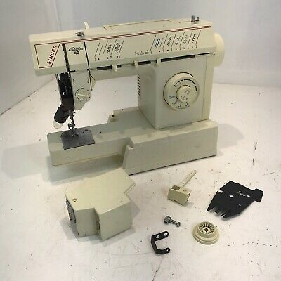 Singer Melodie 40 Electric Sewing Machine ( FOR PARTS SPARES & REPAIRS )