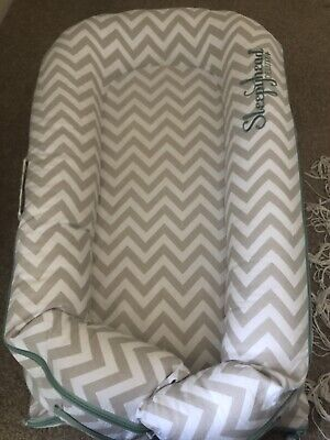 Pod 0 to 8 Months Sleepyhead Deluxe with spare cover