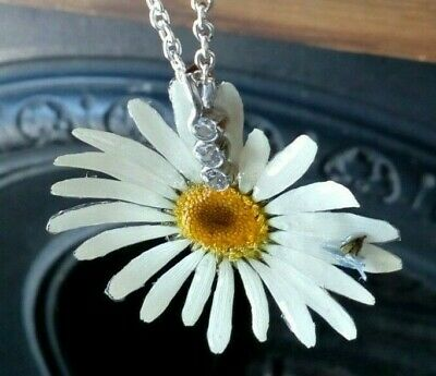 Gorgeous Handmade of REAL FLOWER English DAISY necklace gift  +pouch UK designer
