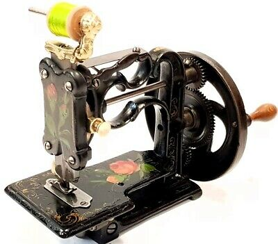 antigua y bonita maquina de coser NEW ENGLAND rare and nice sewing machine 1866