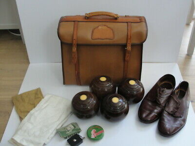 Fine set of 4 vintage Taylor-Rolph Penshurst Lawn Bowls with bag and accessories