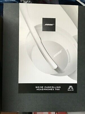 Bose 700 Over the Ear Noise Cancelling Wireless Headphones - Luxe Silver