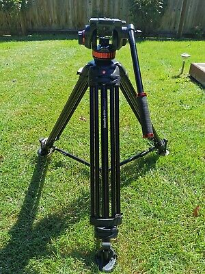 Manfrotto 546B Tripod and Manfrotto MVH502A Head with carrying bag