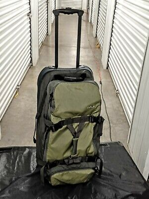 "Eagle Creek Large 32"" Rolling Cargo Hauler Camp Luggage bag. Green and Gray"