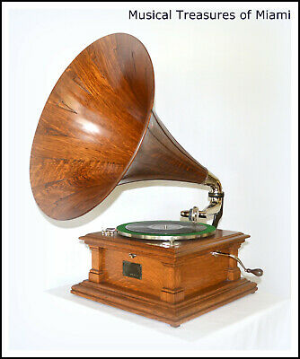 Great Oak Victor V (5) Phonograph With Original Wood Horn