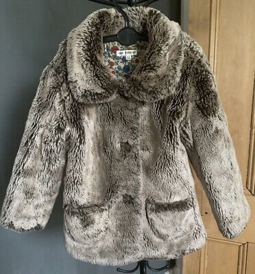 Childs Autograpg Coat. 4/5 Years