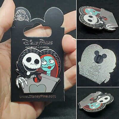 "RARE Walt Disney World Nightmare JACK SALLY Love Collectable Trading 1.5"" Pin"