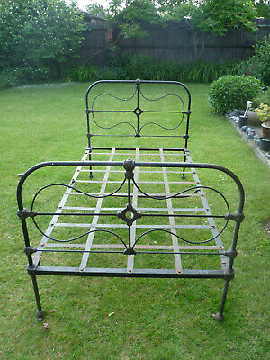 """Victorian/Edwardian 'Bowman Brothers' Cast Iron Bed (3'6"""" large single)"""