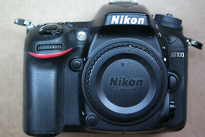 Nikon D7100 24.1MP Digital SLR Camera & Nikkor DX VR 18-55mm 1:3,5 - 5,6 GII