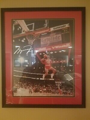 Michael Jordan 1988 signed slam dunk contest framed picture vs Dominique Wilkens