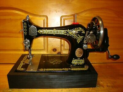 "1918  Singer Sewing Machine Model 28 ""Victorian"", Hand Crank, Serviced"