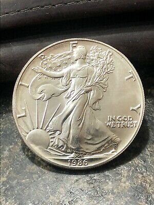 1986 1 oz American Silver Eagle  light Spots and scratch