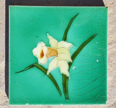 Antique original Victorian or Edwardian Richards (?) Art Nouveau daffodil tile