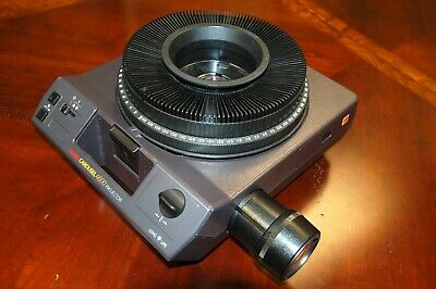 Kodak 4600 Carousel Slide Projector with wired remote and slide tray