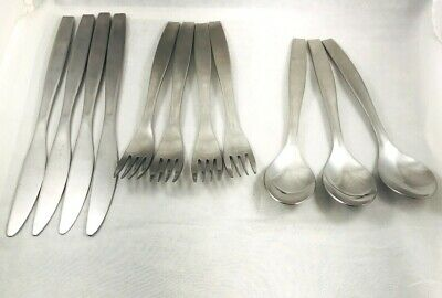 Group of 11 Pieces of Gourmet Settings Stainless Flatware
