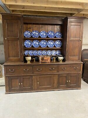 Early 19th century solid oak antique housekeepers cupboard / Dresser