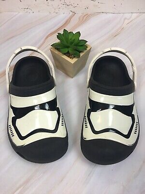 CROCS KIDS Youth Star Wars Glow In The Dark Sz 3 Color Black And White