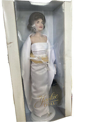 Franklin Mint   Jackie O Porcelain Doll Still in box